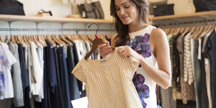 Finding Best Clothes In Sale Isn't A Big Deal - Get This Fashion Guide!
